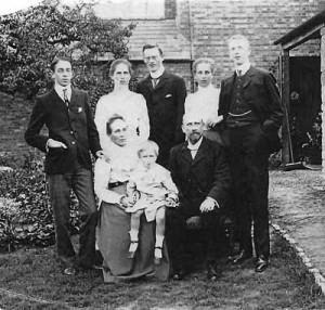 Edna_Mobbs family2