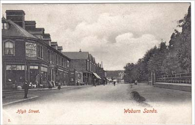 Trail of views down Station Road, Woburn Sands