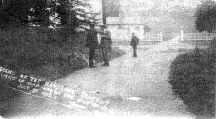 The entrance to Hanslope Park, 1912, the site of the murder. The road was subsequently diverted.