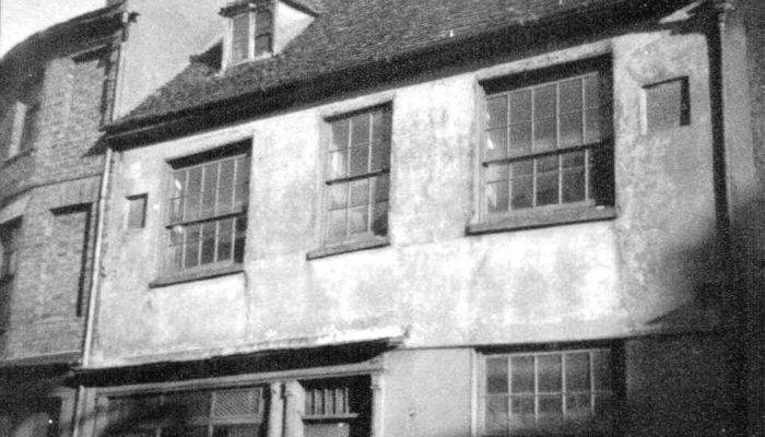 A black-and-white photo of a house in Newport Pagnell