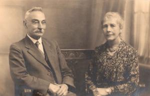 Jo&Katiexmas1937web