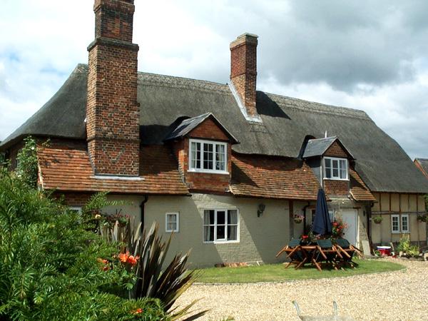 Bird's Cottage 2000