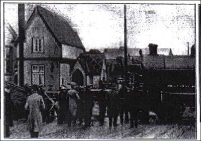 Fenny Stratford, crowds the next day