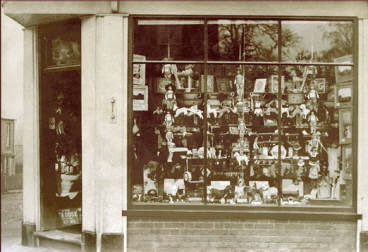 Tansleys china shop front at 27 High Street, Woburn Sands.